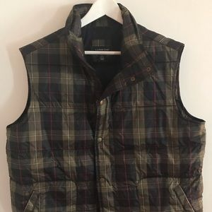 Men's Lands' End plaid puffer vest